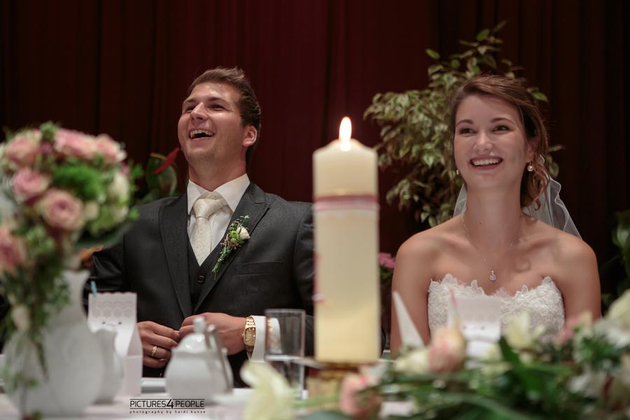 Brautpaar mit Kerze