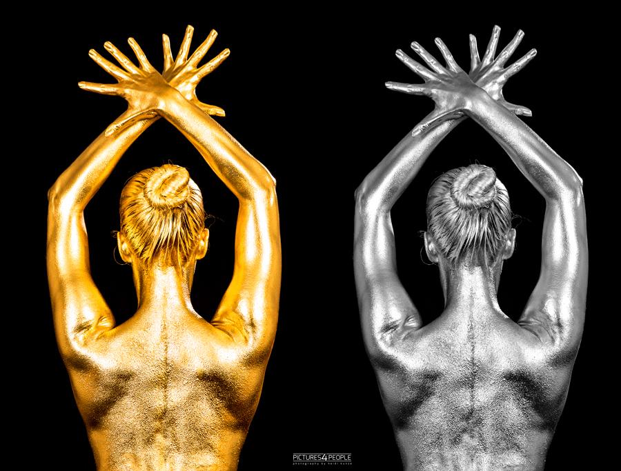 Bodypainting, Rückenasicht in Gold und Silber