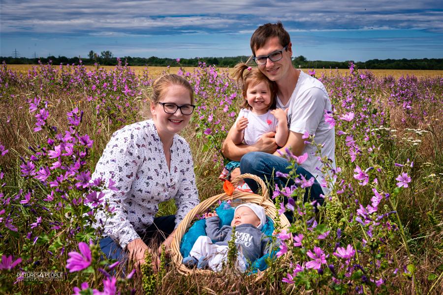 junge Familie Sommer 2020