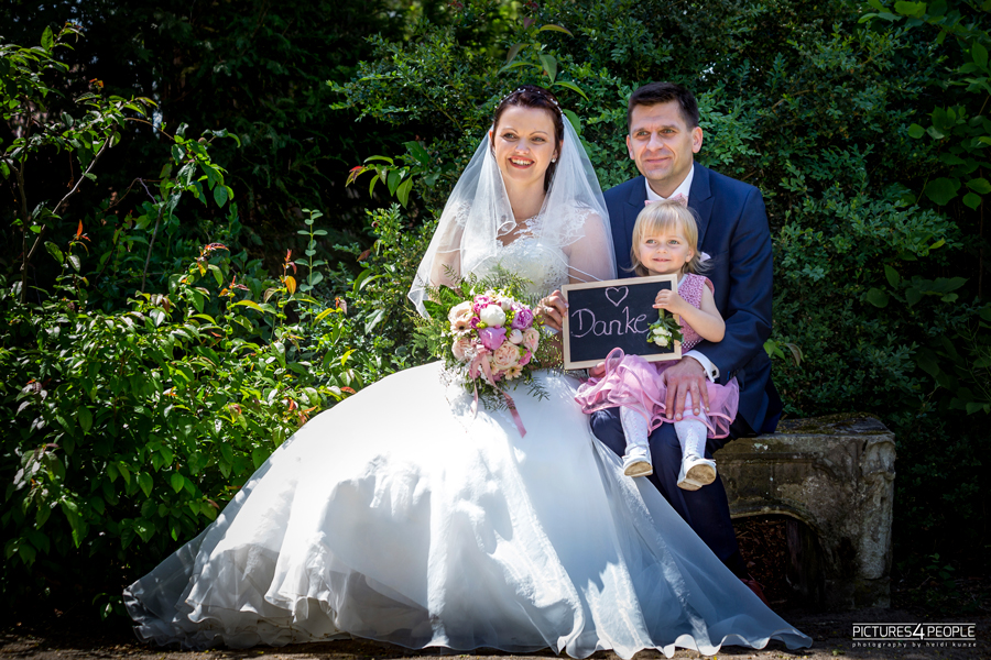 Hochzeit, Paar sagt Danke