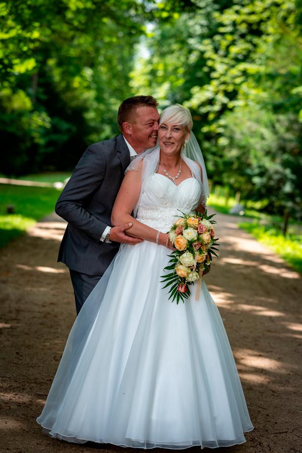 Hochzeitspaar im Luisiumpark in Dessau