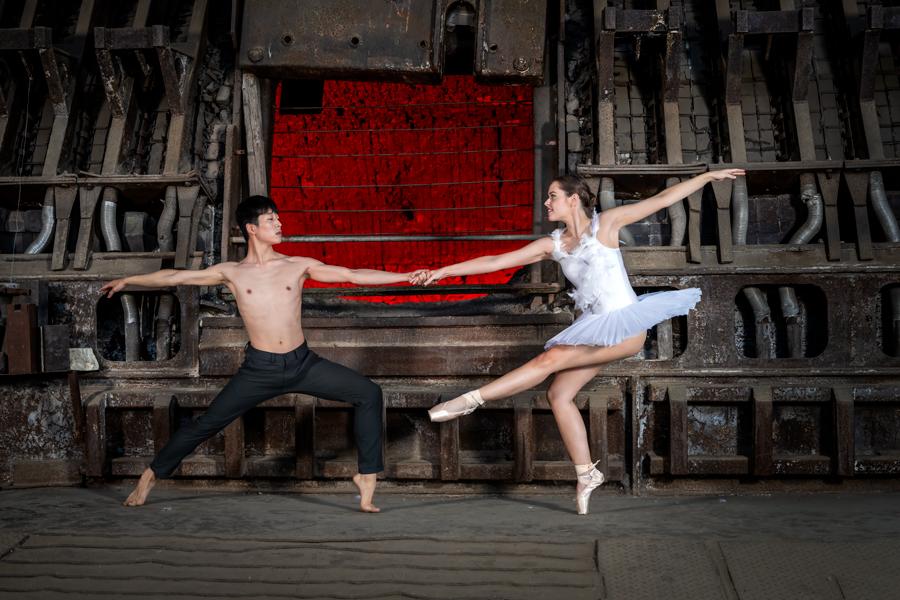 Balletttänzer im Industriemuseum in Brandenburg